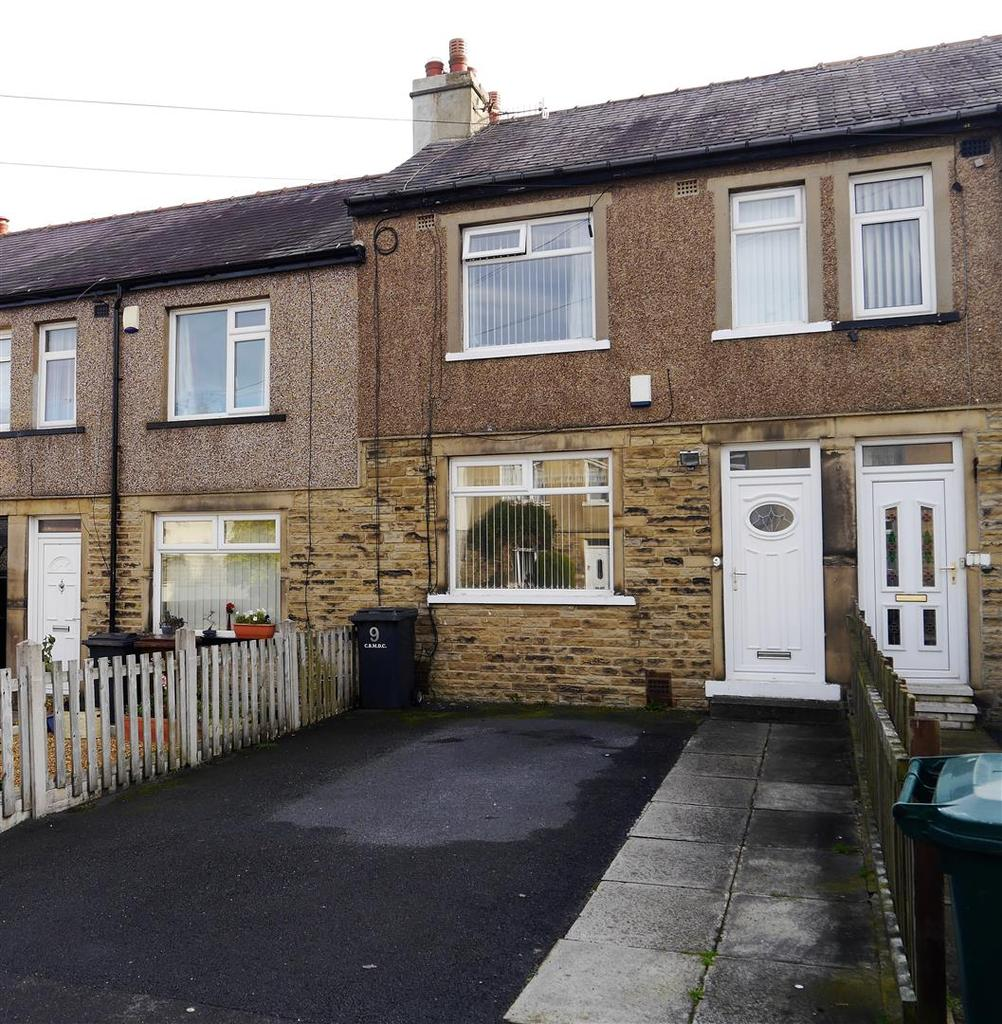 3 Bedrooms Town House for sale in Deneside Mount, Bradford