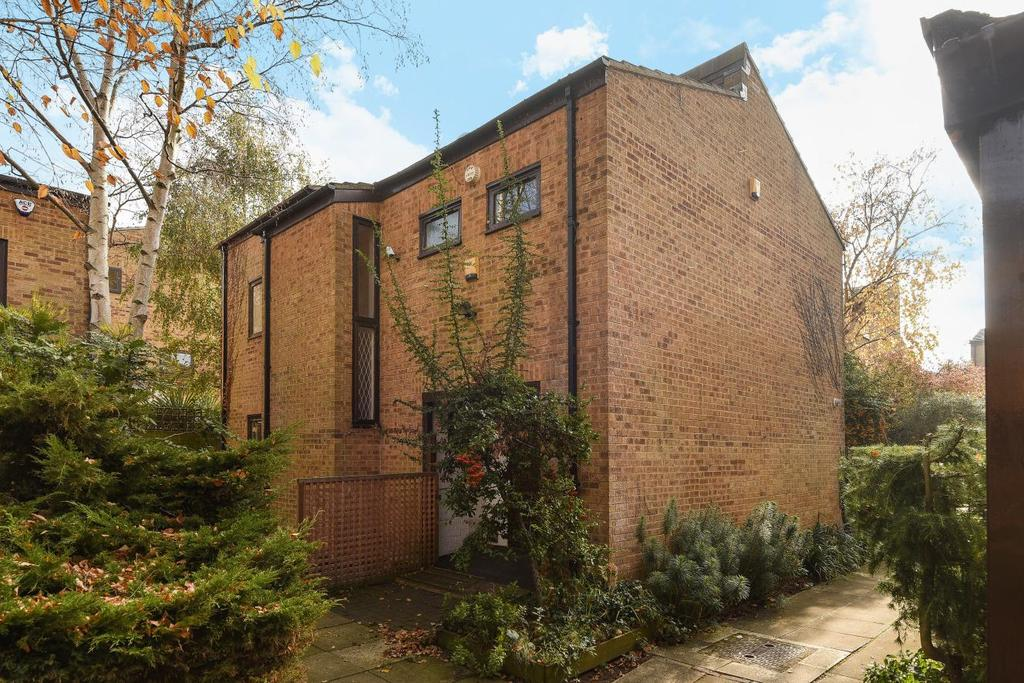 4 Bedrooms Detached House for sale in Papillons Walk, Blackheath