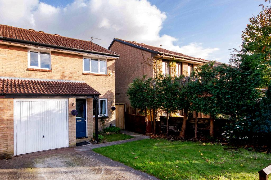 3 Bedrooms Semi Detached House for sale in Gatcome, Netley Abbey, Southampton SO31