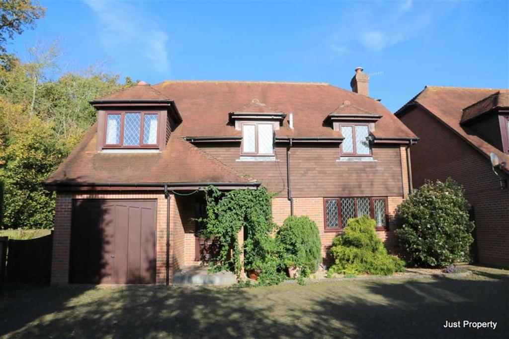 4 Bedrooms Detached House for sale in Sedlescombe Road North, St Leonards On Sea