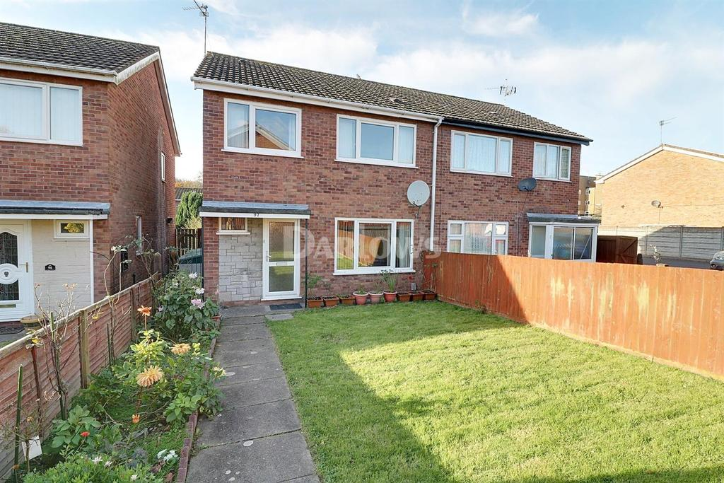 3 Bedrooms Semi Detached House for sale in Waun Fach, Pentwyn, Cardiff, CF14