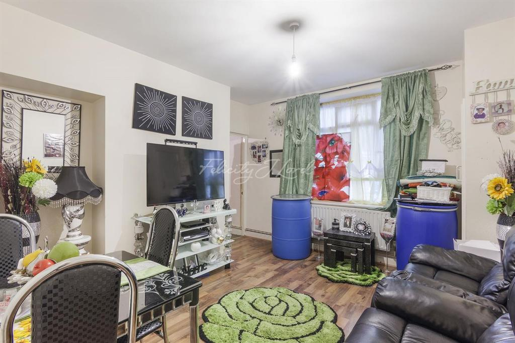 2 Bedrooms Flat for sale in Rivermead House, Hackney, E9