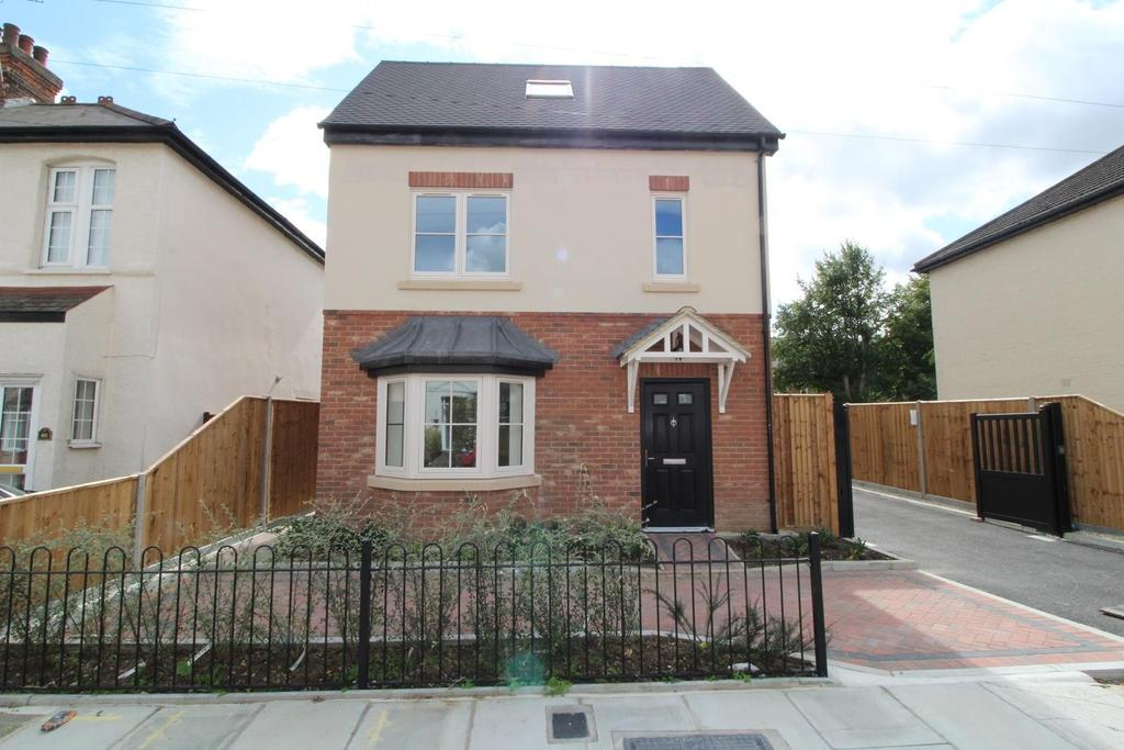 3 Bedrooms Detached House for sale in Constable Mews, St Marys Lane, Upminster, Essex, RM14