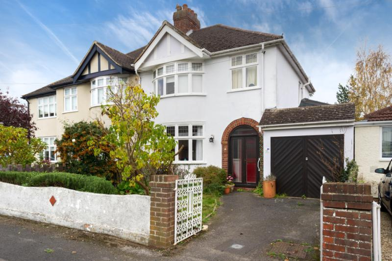 3 Bedrooms Semi Detached House for sale in Langley Close, Headington, Oxford, Oxfordshire