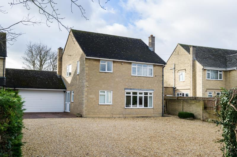 4 Bedrooms Detached House for sale in Abingdon Road, Standlake, Witney, Oxfordshire