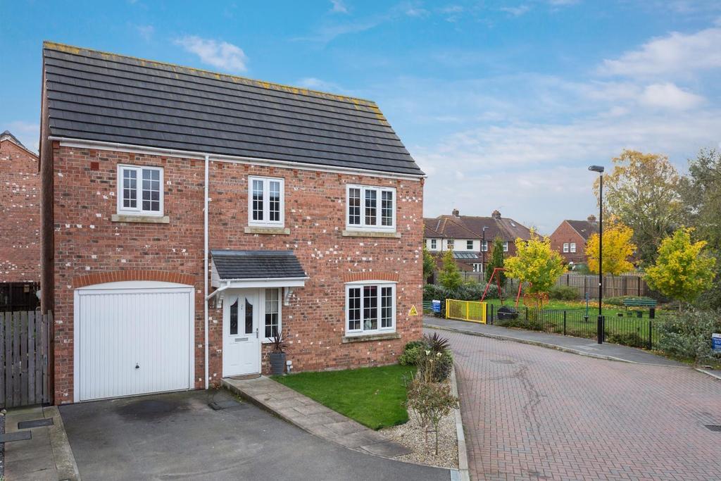 4 Bedrooms Detached House for sale in Mallard Close, Osbaldwick Lane, York
