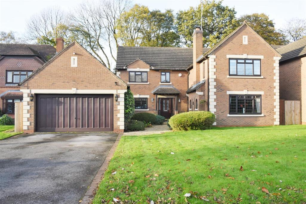 5 Bedrooms Detached House for sale in Whitehall Drive, Hartford