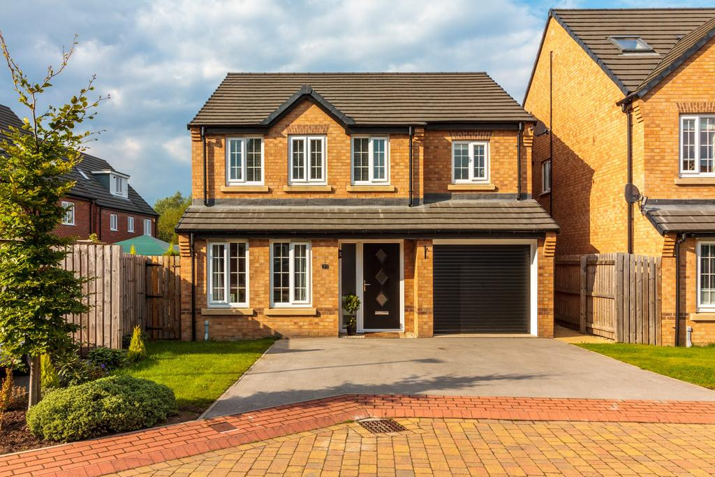 4 Bedrooms Detached House for sale in Red Kite Avenue, Wath Upon Dearne S63