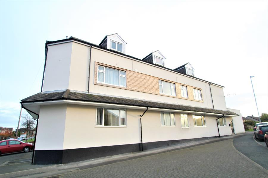 2 Bedrooms Apartment Flat for sale in SANTINGLEY COURT, NEW CROFTON, WAKEFIELD, WF4 1JR