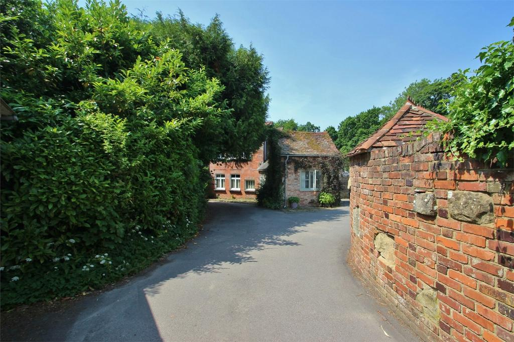 4 Bedrooms Country House Character Property for sale in Hadlow Down, Uckfield, East Sussex