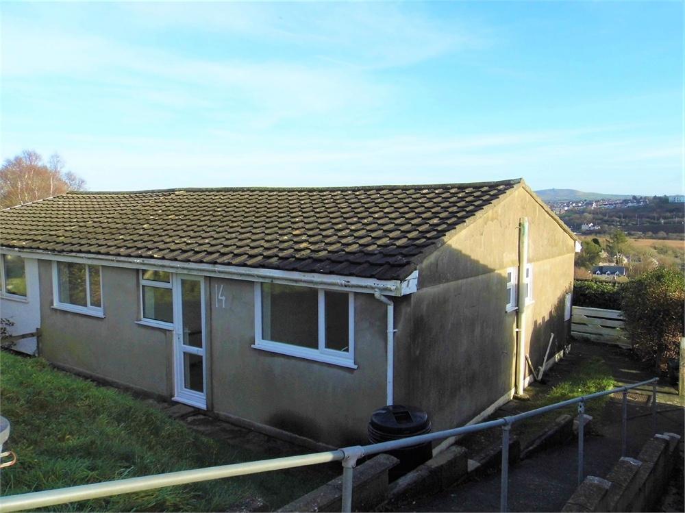 2 Bedrooms Semi Detached Bungalow for sale in 14 Seaview Crescent, Goodwick, Pembrokeshire.