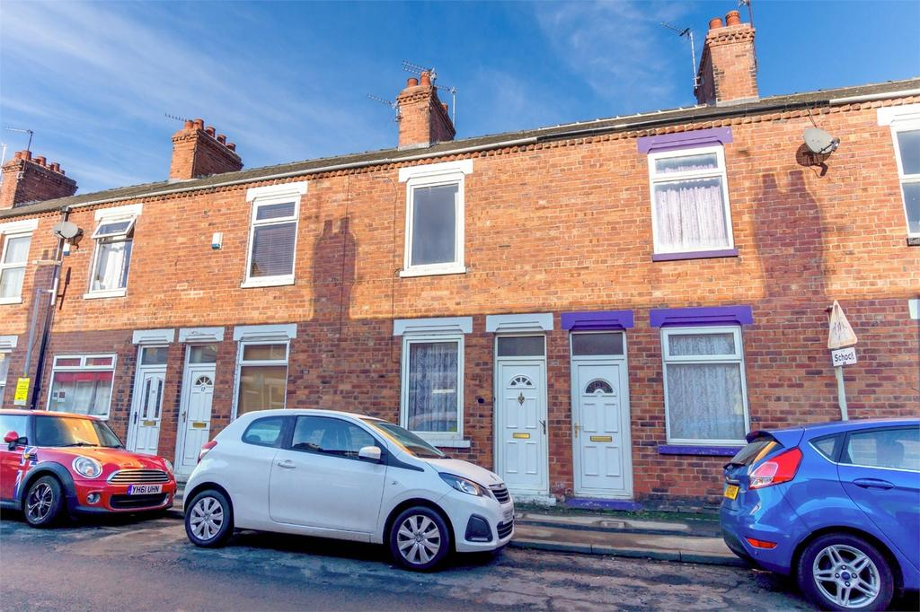 2 Bedrooms Terraced House for sale in Queen Victoria Street, South Bank, York