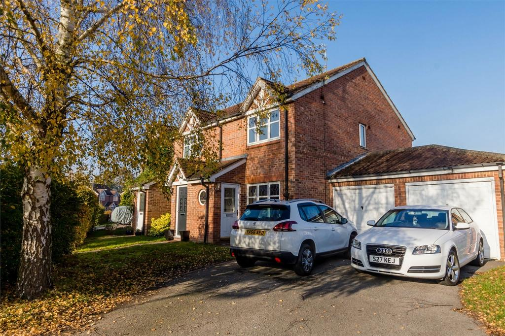 2 Bedrooms Semi Detached House for sale in Tamworth Road, Clifton, York