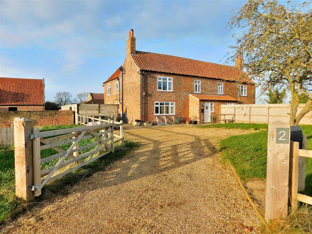 3 Bedrooms Semi Detached House for sale in Ongar Hill, Terrington St. Clement, King's Lynn