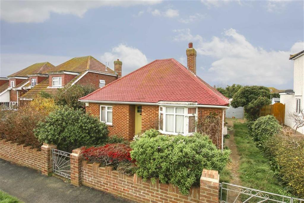 2 Bedrooms Detached Bungalow for sale in Sunview Avenue, Peacehaven
