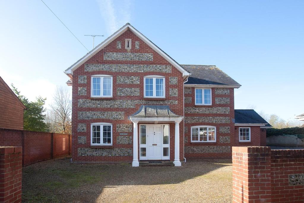 4 Bedrooms Detached House for sale in Figheldean