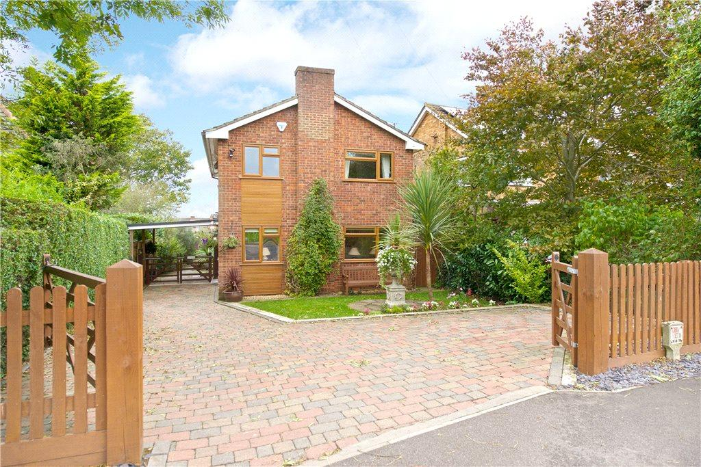 4 Bedrooms Detached House for sale in Bow Brickhill Road, Woburn Sands, Milton Keynes, Buckinghamshire
