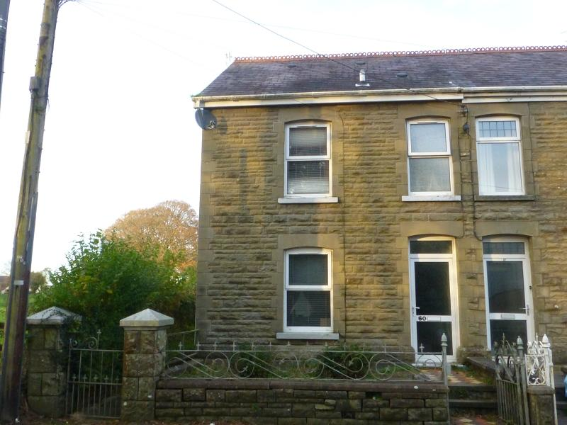 3 Bedrooms Semi Detached House for sale in Tycroes Road, Tycroes, Ammanford, Carmarthenshire.