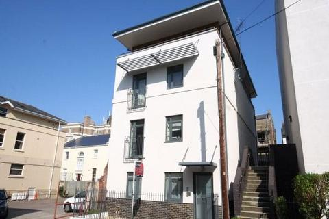 Studio to rent - Wellington Court, Wellington Street, Cheltenham, GL50