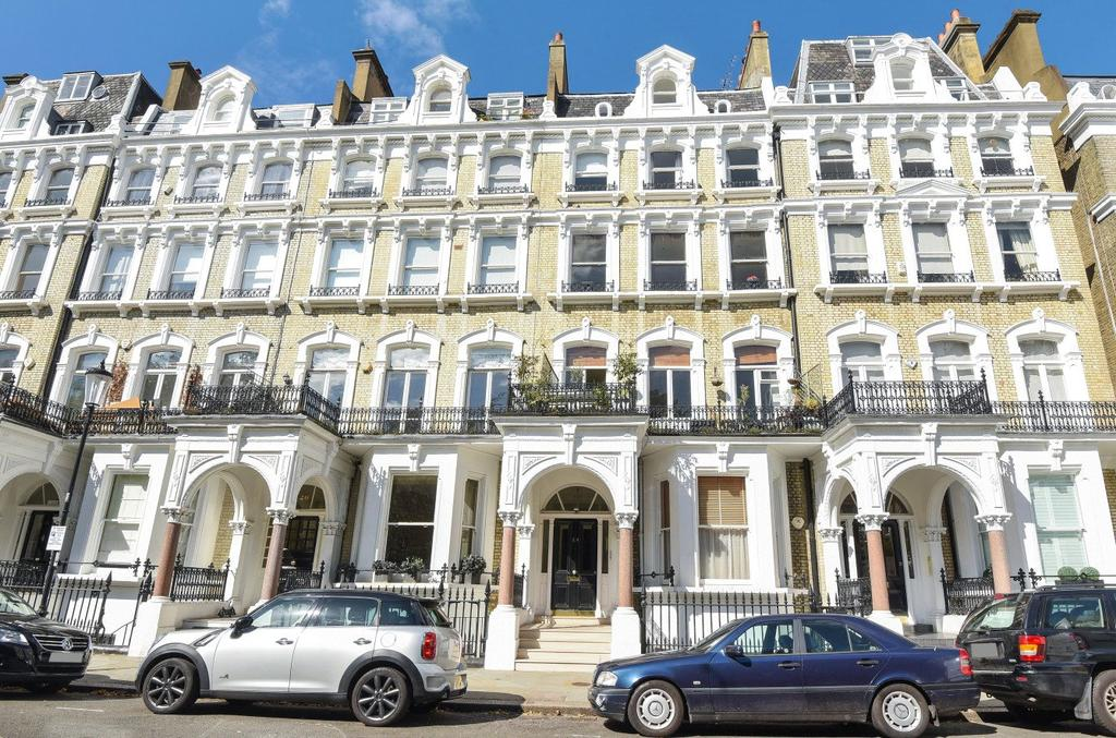 1 Bedroom Flat for sale in Redcliffe Square, Earls Court, London, SW10