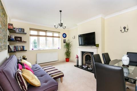 3 bedroom flat to rent - Foxgrove Avenue Beckenham BR3