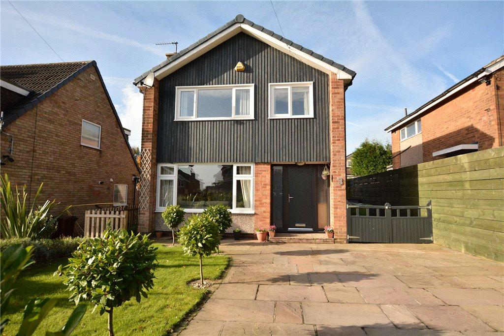 3 Bedrooms Detached House for sale in Holmwood View, Leeds, West Yorkshire