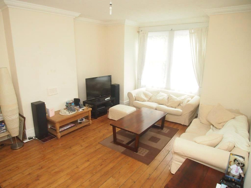 4 Bedrooms Terraced House for rent in Station Parade, Leeds, West Yorkshire