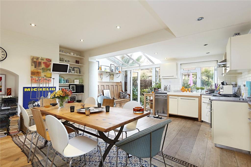 2 Bedrooms House for sale in Crestway, London, SW15