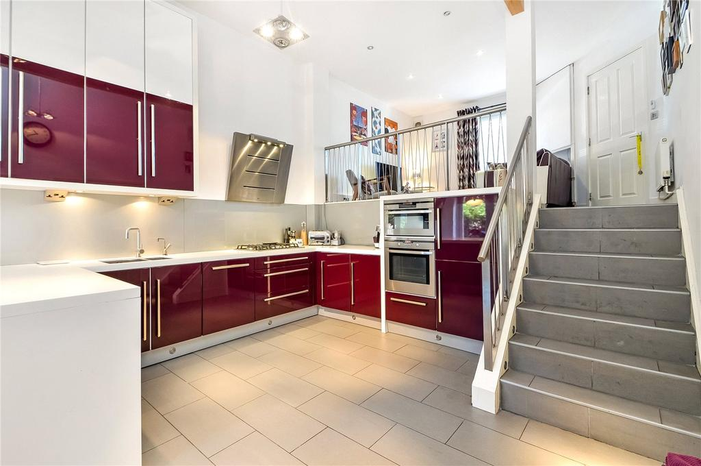 4 Bedrooms Terraced House for sale in Athelstan Road, Winchester, Hampshire, SO23
