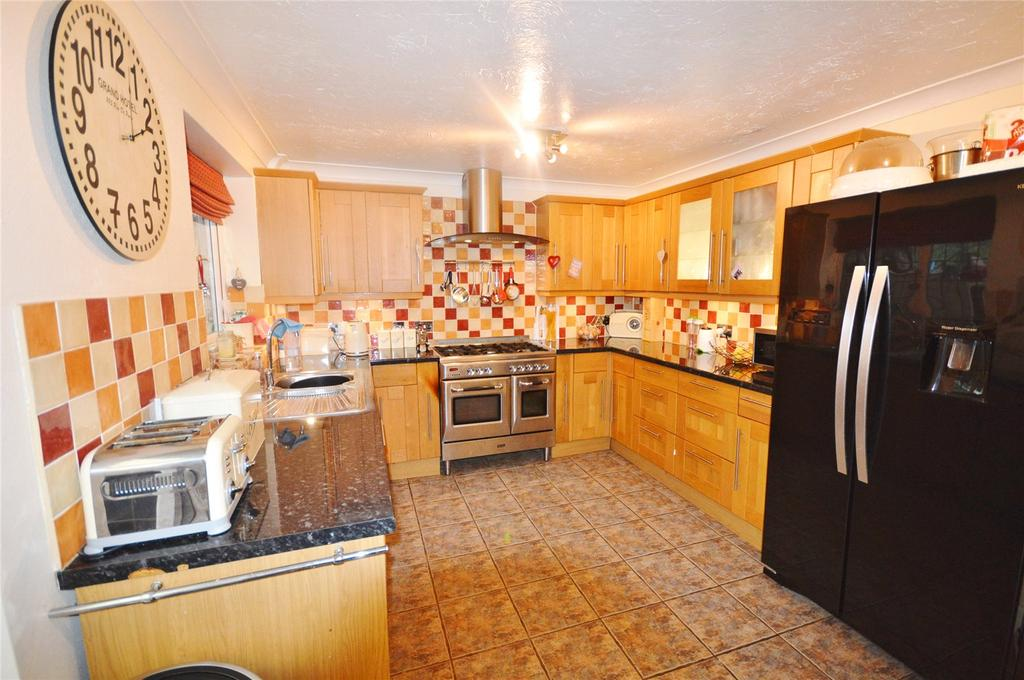 3 Bedrooms Terraced House for sale in Cedar Wood Drive, Garston, Hertfordshire, WD25