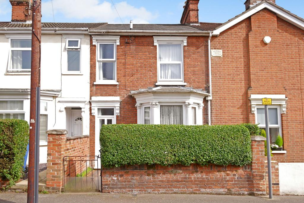 3 Bedrooms Terraced House for sale in Brooks Hall Road, Ipswich
