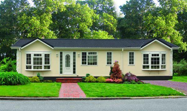 2 Bedrooms Park Home Mobile Home for sale in Herschel Grange, Warfield, Berkshire, RG42 6AS