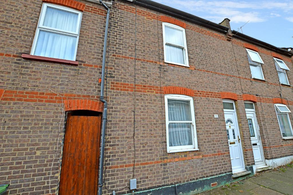 2 Bedrooms Terraced House for sale in Albert Road, South Luton, Luton, Beds, LU1 3PT