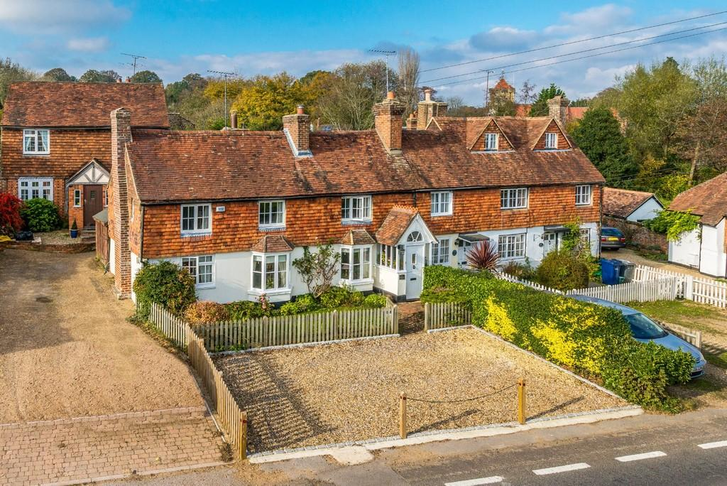 4 Bedrooms End Of Terrace House for sale in Chiddingfold