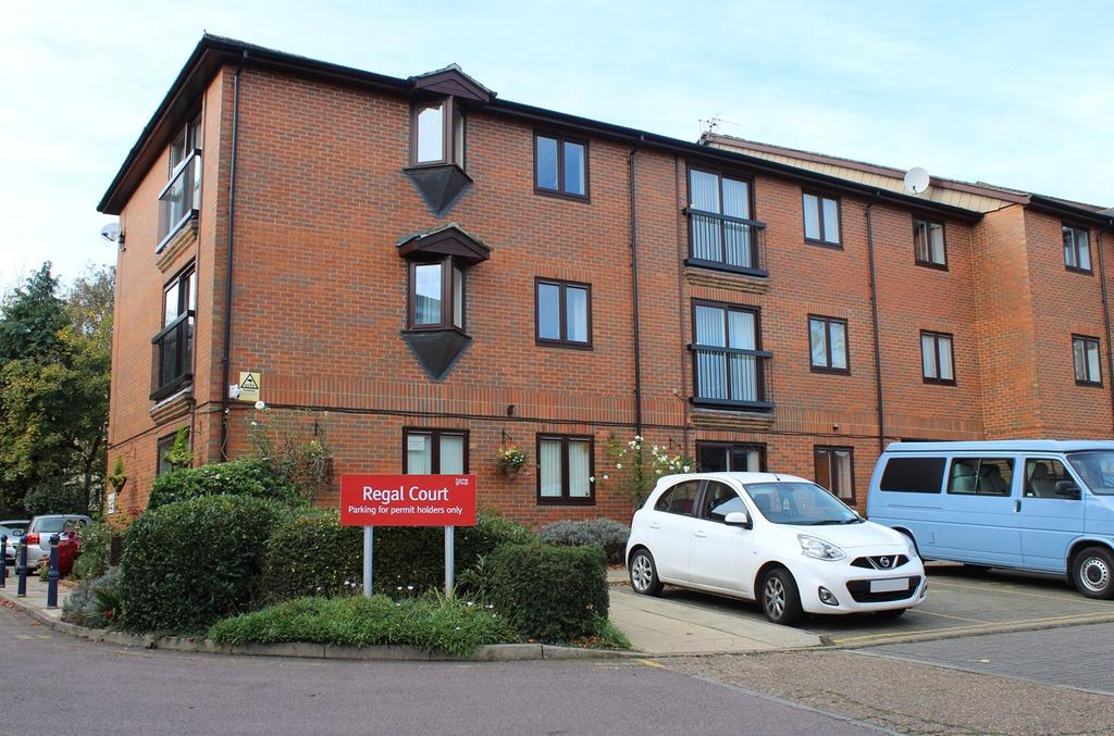 1 Bedroom Retirement Property for sale in Regal Court, Bancroft, Hitchin, SG5