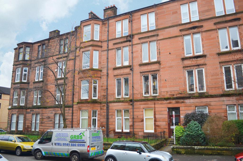 2 Bedrooms Flat for sale in Onslow Drive , Flat 2/2, Dennistoun, Glasgow, G31 2PZ