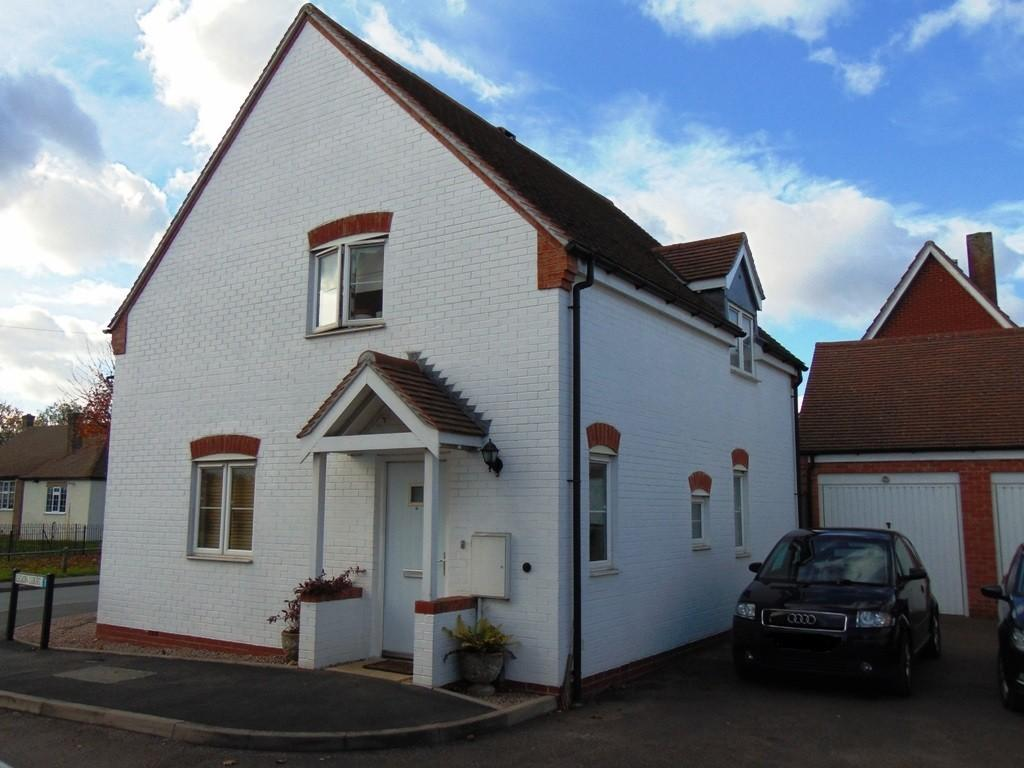3 Bedrooms Detached House for sale in Legion Court, Middle Littleton
