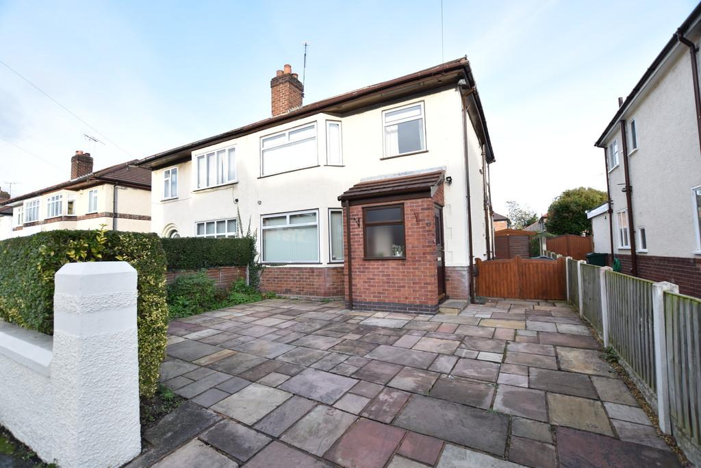 3 Bedrooms Semi Detached House for sale in Halkyn Road, Hoole