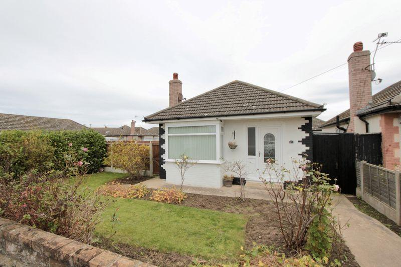 2 Bedrooms Detached Bungalow for sale in Salisbury Drive