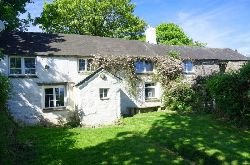 3 Bedrooms Detached House for sale in Crow's Nest