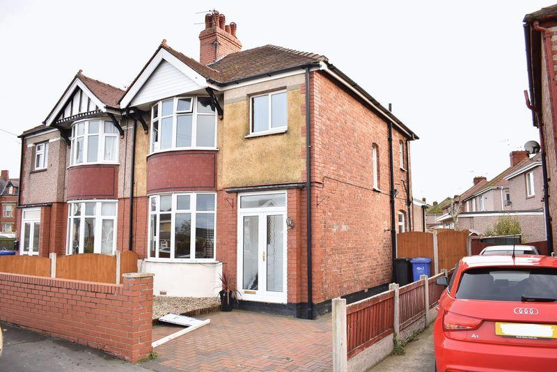 3 Bedrooms Semi Detached House for sale in Dyserth Road, Rhyl