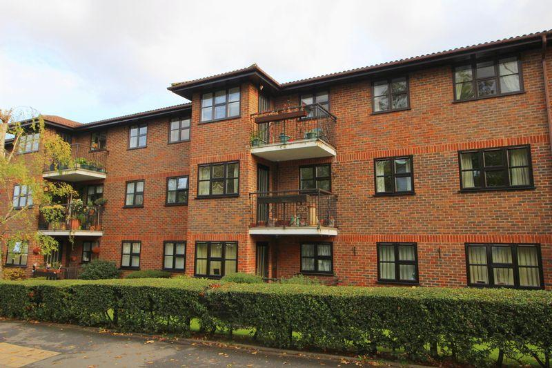 2 Bedrooms Retirement Property for sale in Hatherley Crescent, Sidcup