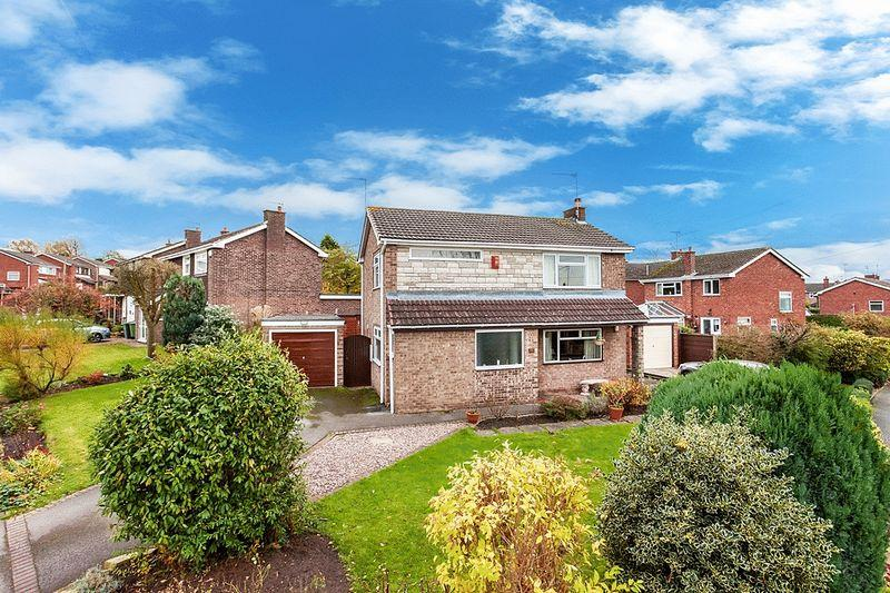 3 Bedrooms Detached House for sale in Ullswater Road, Congleton