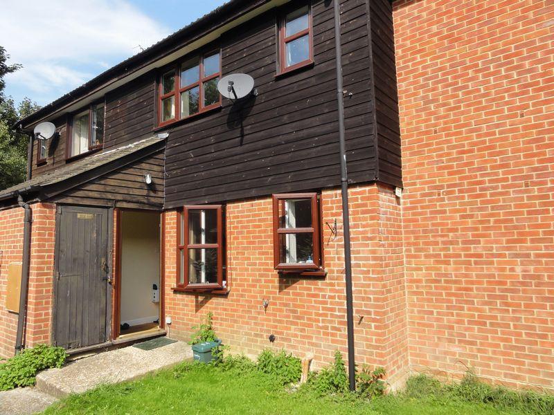 1 Bedroom Apartment Flat for sale in Elm Park, Cranleigh