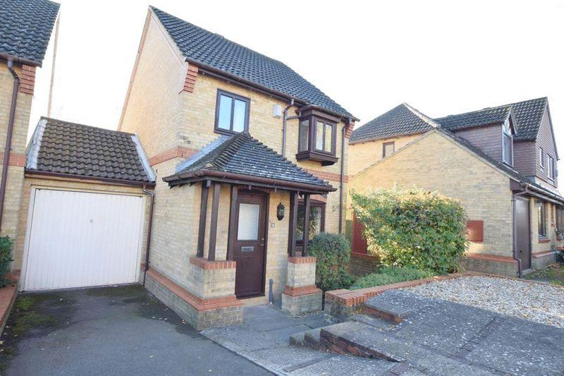 3 Bedrooms Detached House for sale in Longfields Drive, Bearsted Park