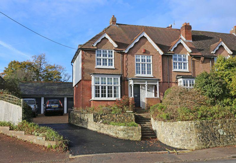 5 Bedrooms Semi Detached House for sale in Broad Street, Cuckfield