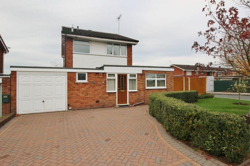 3 Bedrooms Detached House for sale in Roebuck Glade, Off Stroud Av, Willenhall