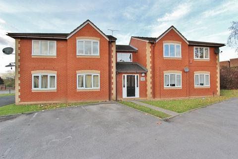 1 bedroom apartment for sale - Avern Close, Tipton