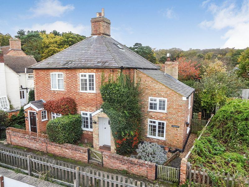 2 Bedrooms Cottage House for sale in Park Hill, Ampthill