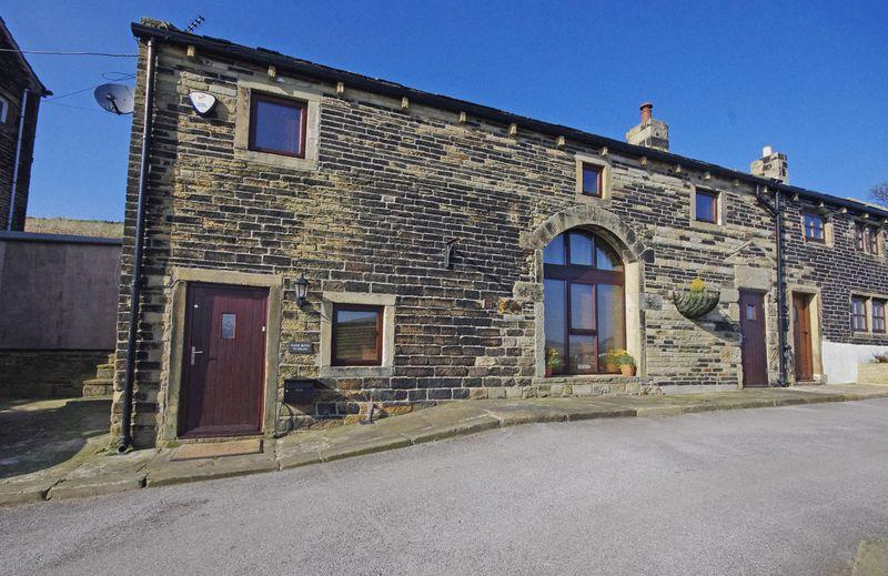4 Bedrooms Semi Detached House for sale in Bank Royd Stables, Bank Royd Lane, Barkisland, HX4 0EW